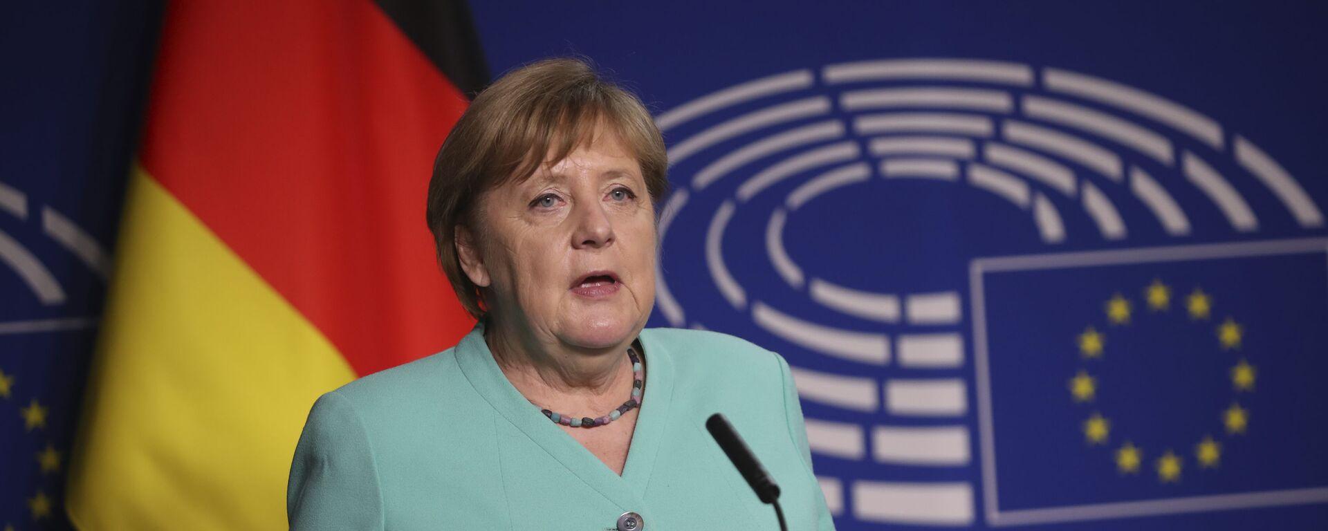 Канцлер Германии Ангела Меркель выступает в Европарламенте в Брюсселе - Sputnik Латвия, 1920, 05.09.2021