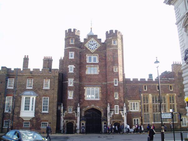 Сент-Джеймсский дворец в Лондоне - Sputnik Латвия