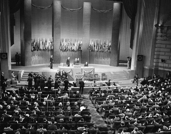Подписание Устава ООН в Сан-Франциско, 1945 год - Sputnik Латвия