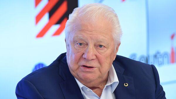 Почетный президент Олимпийского комитета России, почетный член МОК Виталий Смирнов - Sputnik Латвия