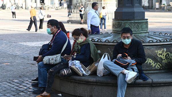 Ситуация в Мадриде в связи с коронавирусом - Sputnik Latvija