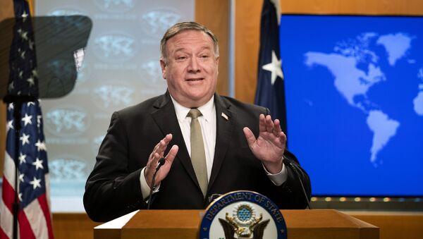 Государственный секретарь США Майк Помпео  - Sputnik Latvija