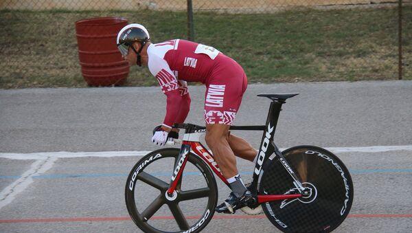 Известный латвийский трековый велогонщик Айнарс Киксис успешно выступил в элитных соревнованиях категории UCI 1 в Италии - Piceno Sprint Cup - Sputnik Латвия