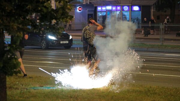 Протесты и беспорядки в Минске после президентских выборов - Sputnik Латвия