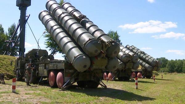 Калининград под куполом: расчеты С-400 ПВО Балтийского флота отразили авианалет условного противника - Sputnik Latvija