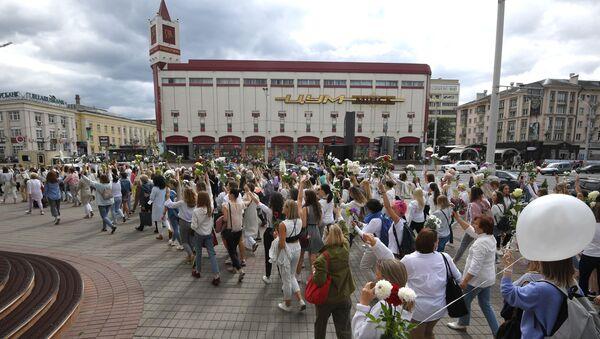 Мирная акция протеста в Минске - Sputnik Latvija