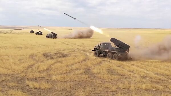 Масштабные учения армий Центрального военного округа России - Sputnik Латвия