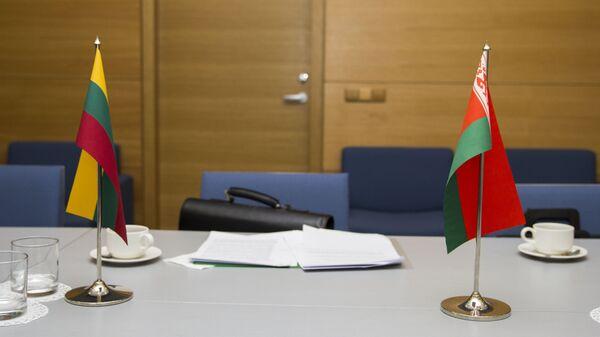 Флаги Беларуси и Литвы - Sputnik Латвия