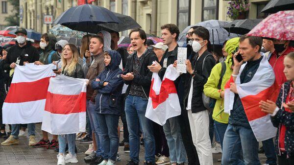 Акция протеста в Минске после президентских выборов - Sputnik Latvija