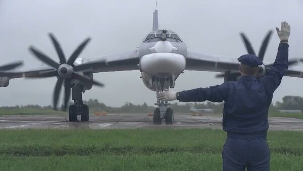 Японские истребители пошли на перехват российских ракетоносцев над нейтральными водами - Sputnik Латвия
