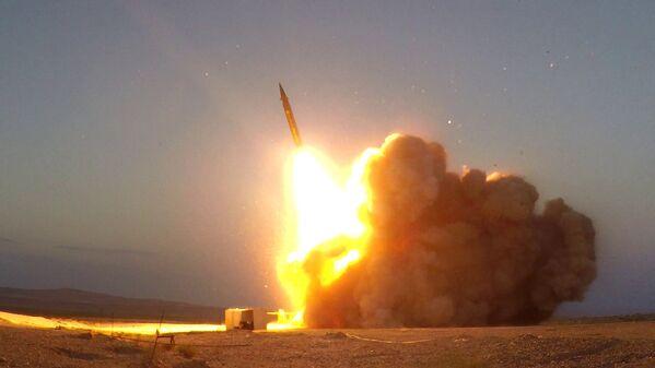 Zeme-zeme tipa ballistiskā raķete Hadž Kasem - Sputnik Latvija