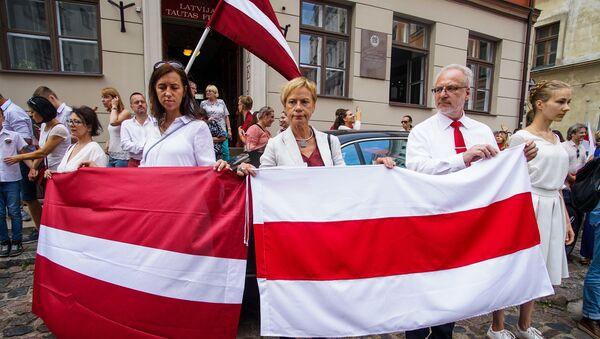 Президент Латвии Эгилс Левитс участвует в акции памяти Балтийского пути и в поддержку народа Беларуси в Риге - Sputnik Латвия