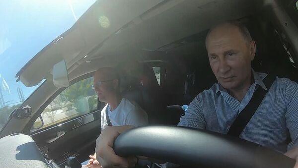 Открытие Тавриды: Путин проехал по новой трассе в Крыму - Sputnik Латвия
