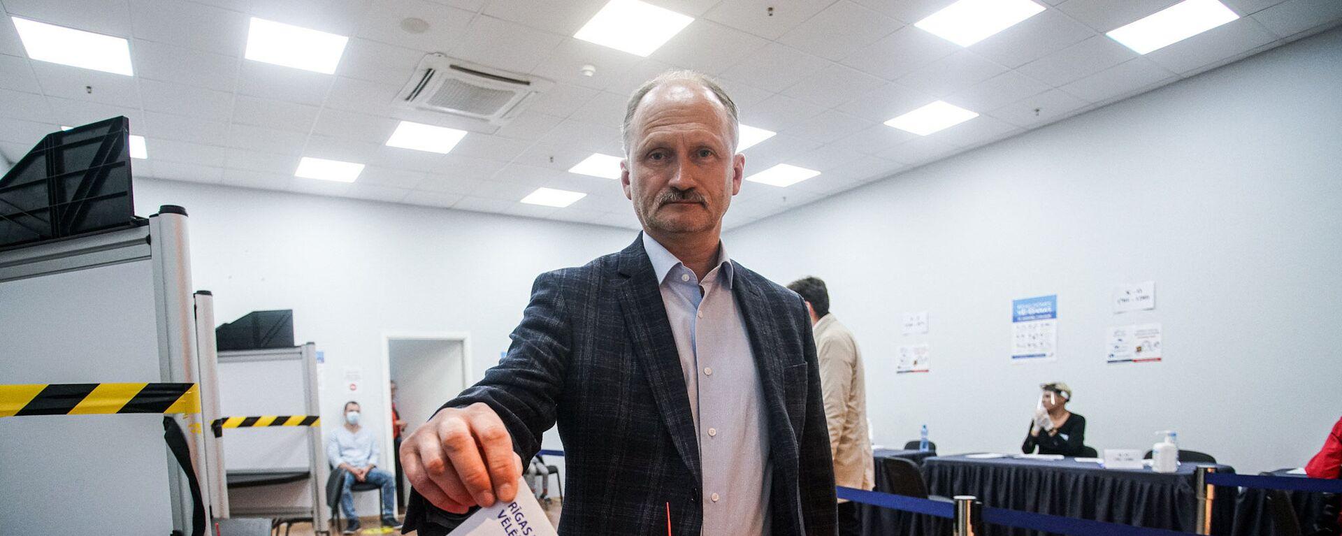 Сопредседатель Русского союза Латвии Мирослав Митрофанов. - Sputnik Латвия, 1920, 05.10.2021