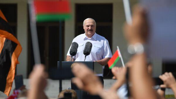 Митинг в поддержку действующего президента Белоруссии А. Лукашенко в Минске - Sputnik Latvija