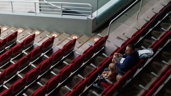 Немногочисленные зрители на «Арене» Рига - Sputnik Латвия