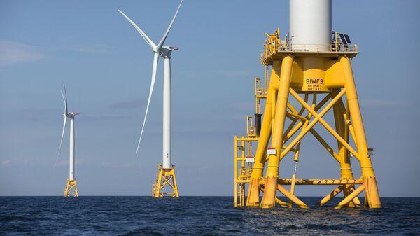 Ветряная электростанция на море - Sputnik Латвия