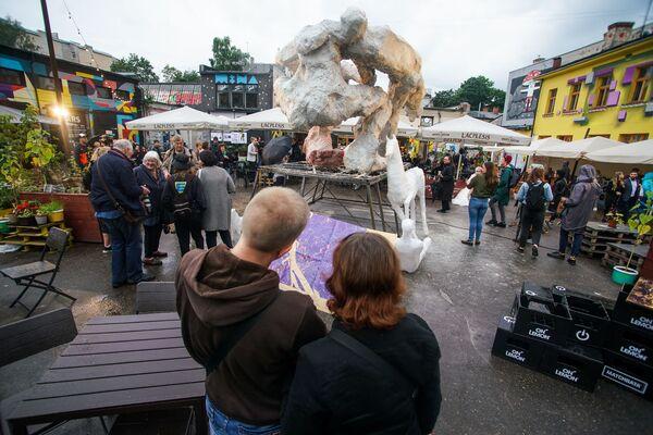 В Риге проходит квадриеннале скульптуры - Sputnik Латвия