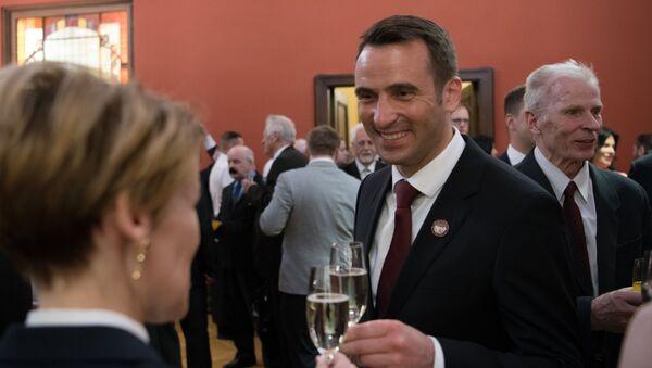 Мартиньш Стакис на праздновании Независимости Латвии - Sputnik Латвия