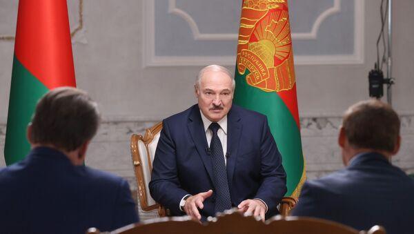 Президент Белоруссии А. Лукашенко дал интервью российским журналистам - Sputnik Latvija