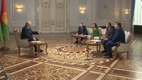 Лукашенко о протестах в Беларуси и отношении к оппозиции: полная версия большого интервью - Sputnik Латвия