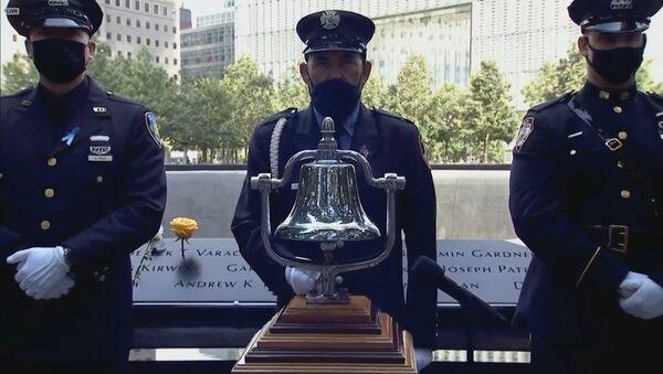Трагедия 11.09.2001: в США почтили память жертв терактов в Нью-Йорке - Sputnik Латвия