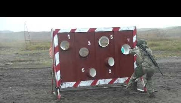 Минобороны РФ показало Тренировки морпехов Северного флота - Sputnik Латвия