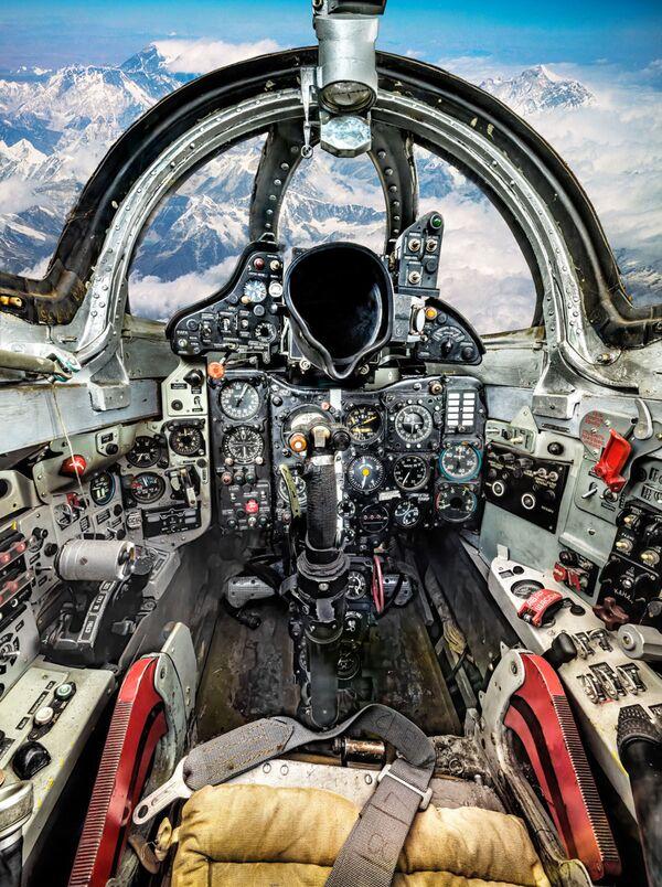 Uzņēmumos iemūžināti Il-2, Tu-4, Tu-95 un citi lidaparāti, kas savulaik mainīja vēstures gaitu - Sputnik Latvija