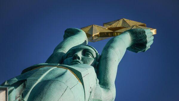Памятник Свободы в Риге - Sputnik Latvija