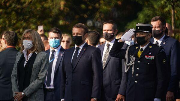 Церемония возложения цветов к памятнику Свободы в Риге, в которой приняли участие президент Франции Эммануэль Макрон и президент Латвии Эгилс Левитс - Sputnik Latvija