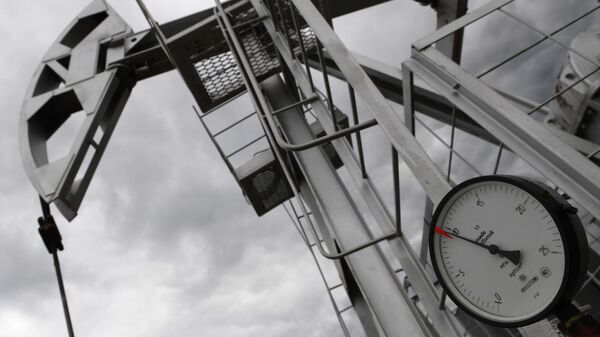 Нефтяной станок-качалка - Sputnik Latvija