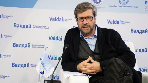 Модератор презентации Валдайского доклада, главный редактор журнала Россия в глобальной политике Федор Лукьянов - Sputnik Латвия