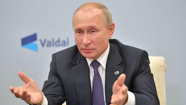 Владимир Путин об обвинениях Запада: меня это не колышет - Sputnik Latvija