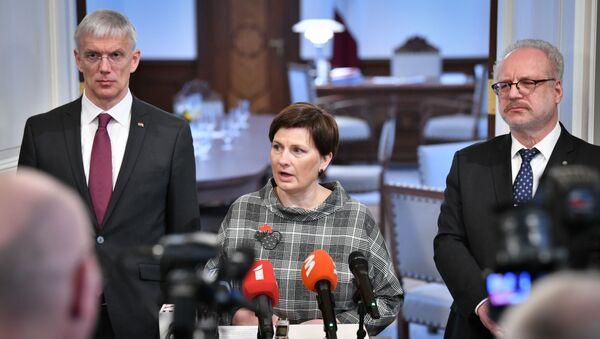 Илзе Винькеле, Кришьянис Кариньш и Эгилс Левитс - Sputnik Латвия