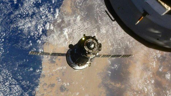 Стыковка корабля Союз МС-17 с Международной космической станцией - Sputnik Latvija