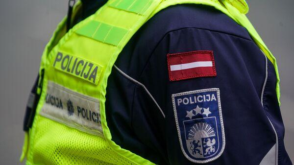 В Риге прошел марш против ношения масок - Sputnik Латвия