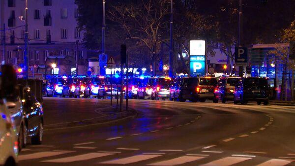 Теракт в Вене: главное о стрельбе в центре столицы Австрии - Sputnik Латвия