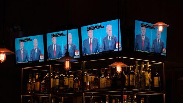 Трансляция дебатов кандидатов в президенты США - Sputnik Latvija