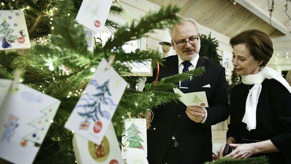 Президент Латвии Эгилс Левитс и первая леди Андра Левите стали первыми гостями благотворительного домика Laima - Sputnik Latvija