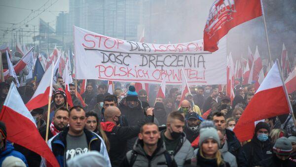 Марш националистов в Варшаве - Sputnik Latvija