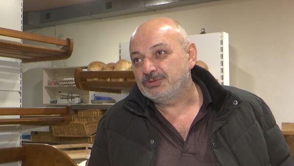 Только ненормальный не будет радоваться миру: люди о жизни в НКР и российских миротворцах - Sputnik Латвия