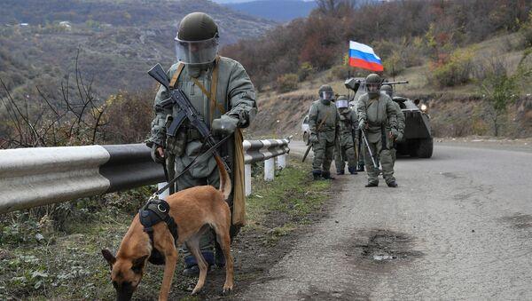 Специалисты противоминного центра Минобороны РФ приступили к работе в Карабахе - Sputnik Латвия