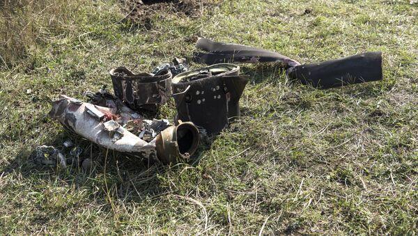 Фрагменты сбитого беспилотника в Степанакерте, Нагорный Карабах, в октябре 2020 года - Sputnik Latvija