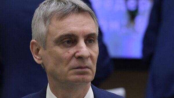 Сенатор, член комитета Совета Федерации РФ по регламенту и организации парламентской деятельности Сергей Фабричный - Sputnik Латвия