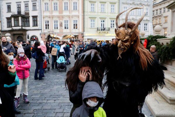 Празднование Дня Святого Николая в Праге - Sputnik Latvija