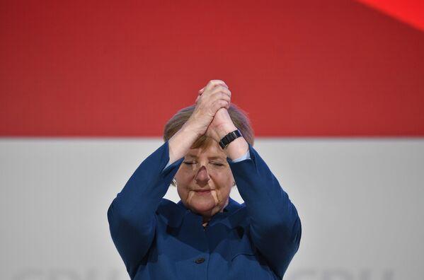Pirmo vietu reitingā jau desmito gadu ieņem Vācijas kanclere Angela Merkele. - Sputnik Latvija