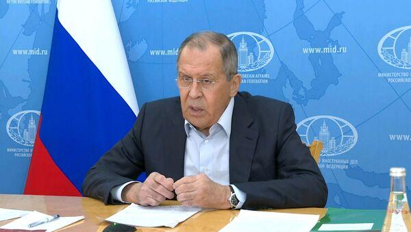 Лавров заявил о попытках западных стран начать гонку вакцин - Sputnik Latvija