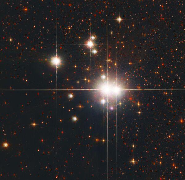 Izkliedētā kopa NGC 6193 в Altāra zvaigznājā - Sputnik Latvija