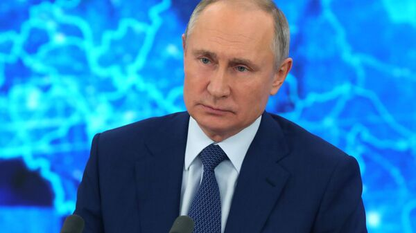 Президент РФ Владимир Путин на большой ежегодной пресс-конференции, 17 декабря 2020 - Sputnik Latvija