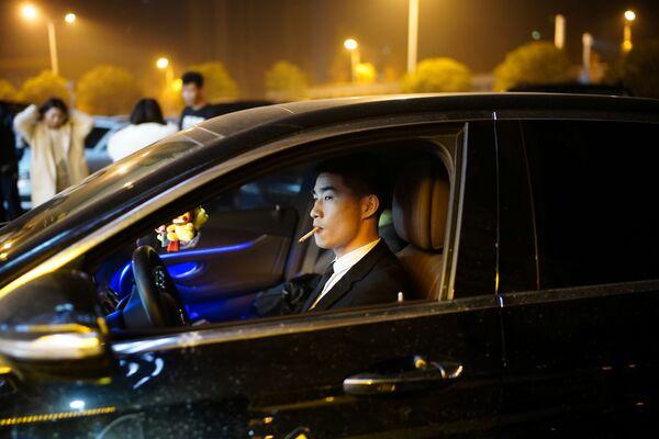 Каждый десятый китайский автомобиль произведен именно на уханьских заводах  - Sputnik Latvija